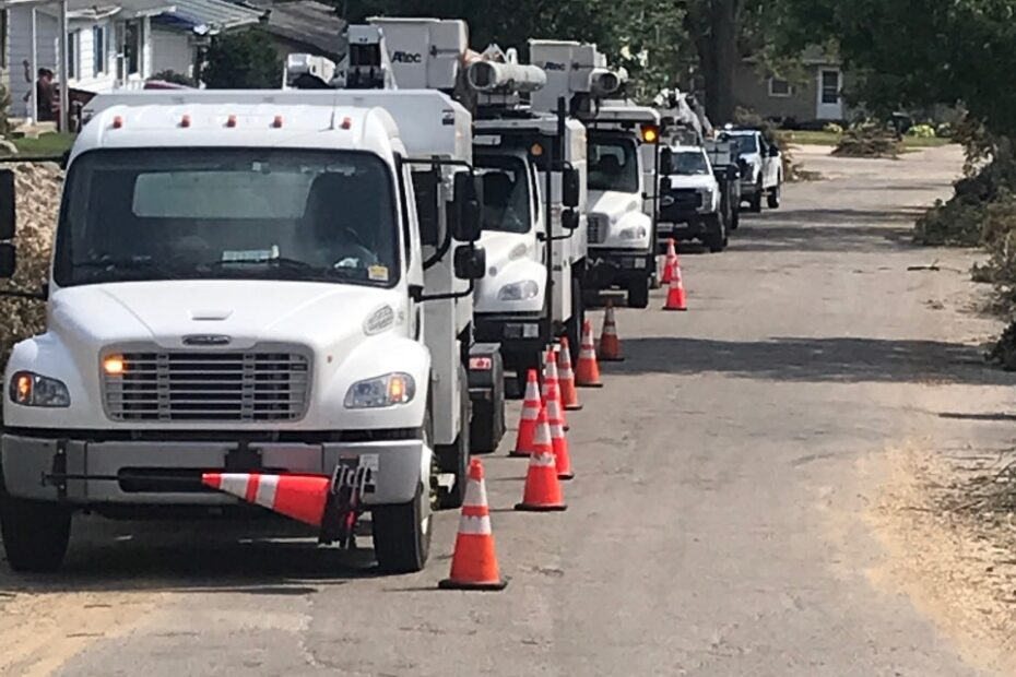 utility workers during the 2020 Iowa Derecho